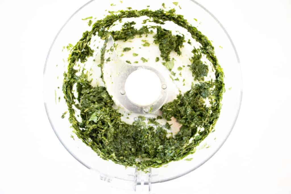 mince mulukhiyah in food processor