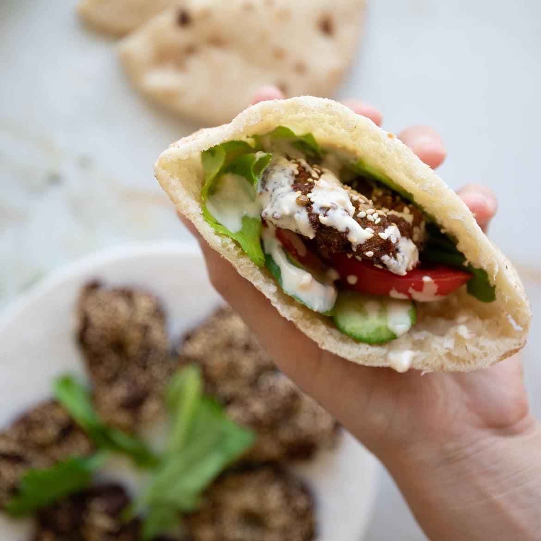 falafel pita bread sandwich recipe
