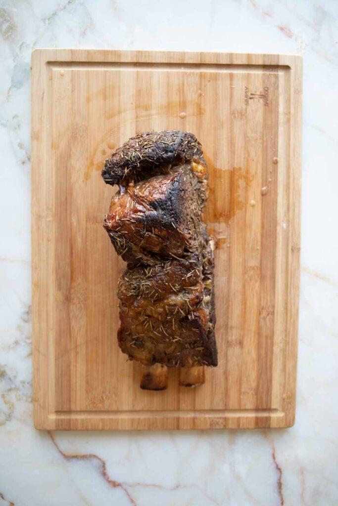 bone in tomahawk roast