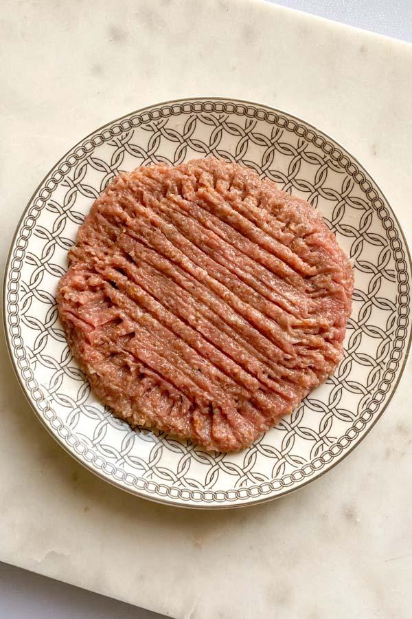 raw kibbeh nayyeh on a plate