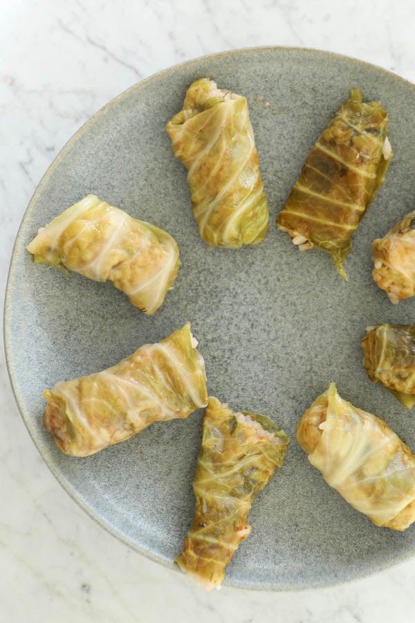 stuffed cabbage rolls arrange on a plate