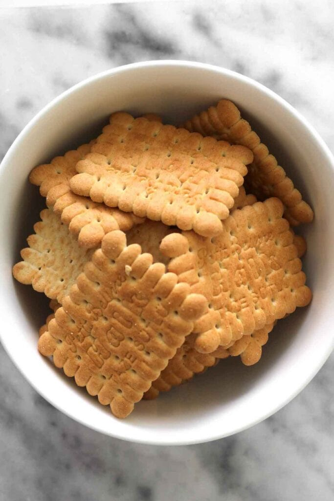 biscuit crackers in a bowl