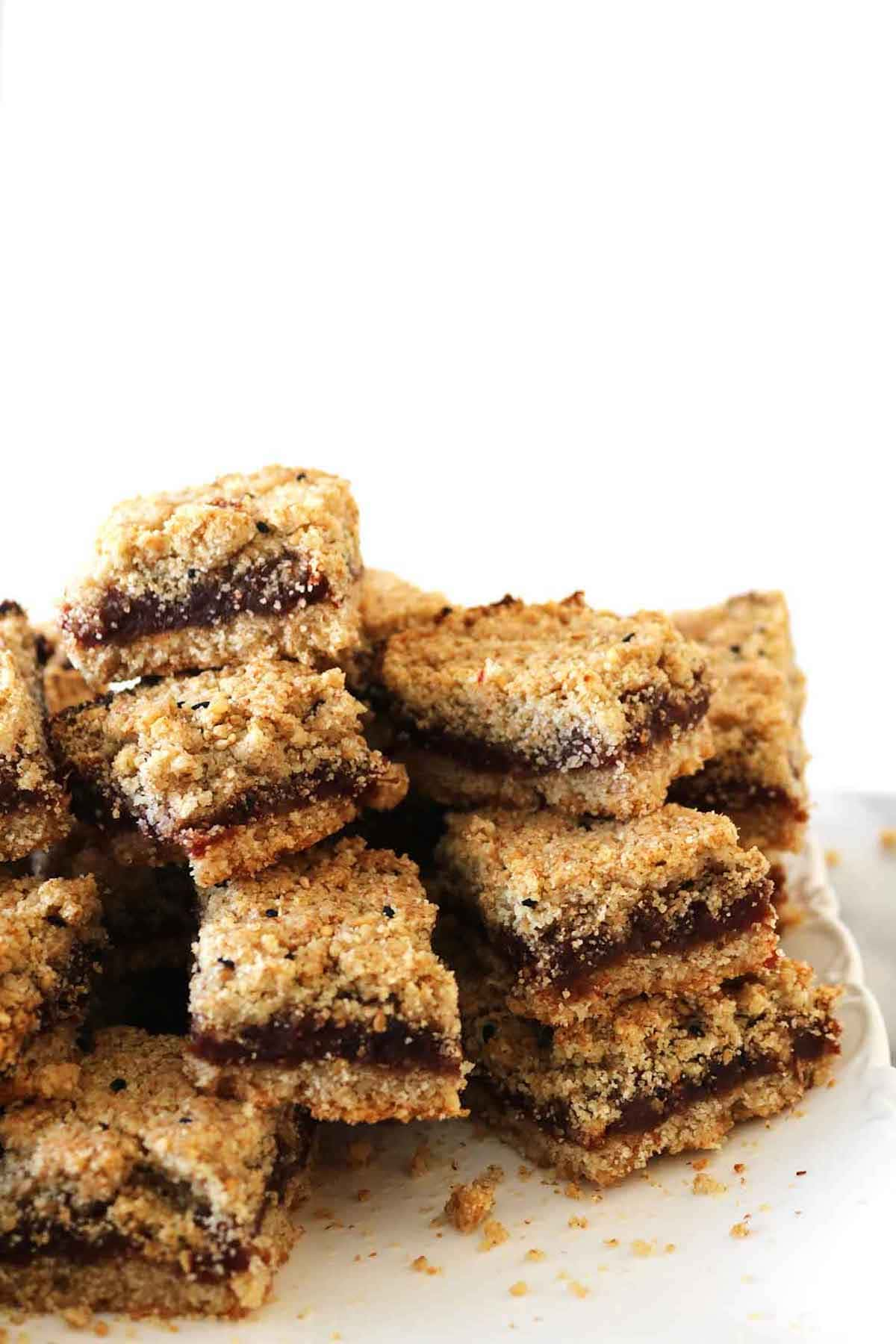 maamoul date squares on a plate