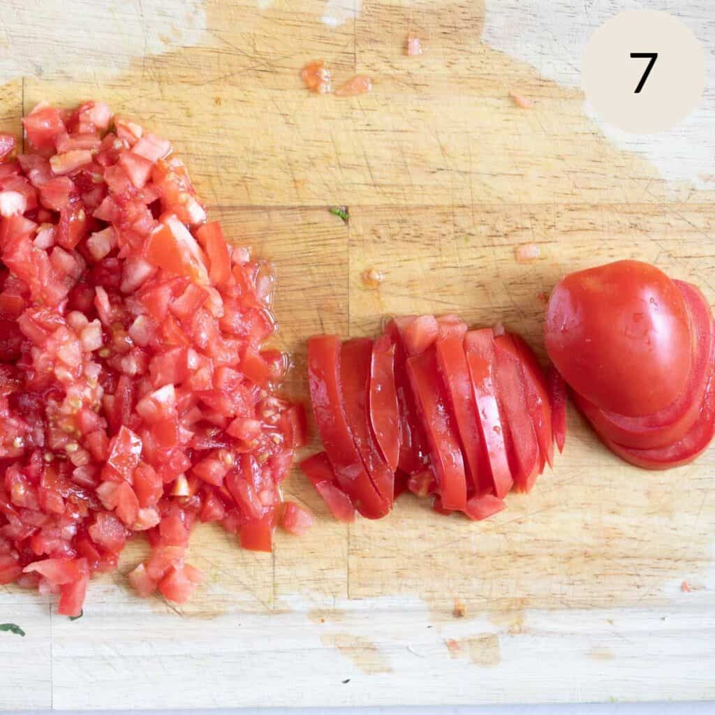 how to slice the tomatoes