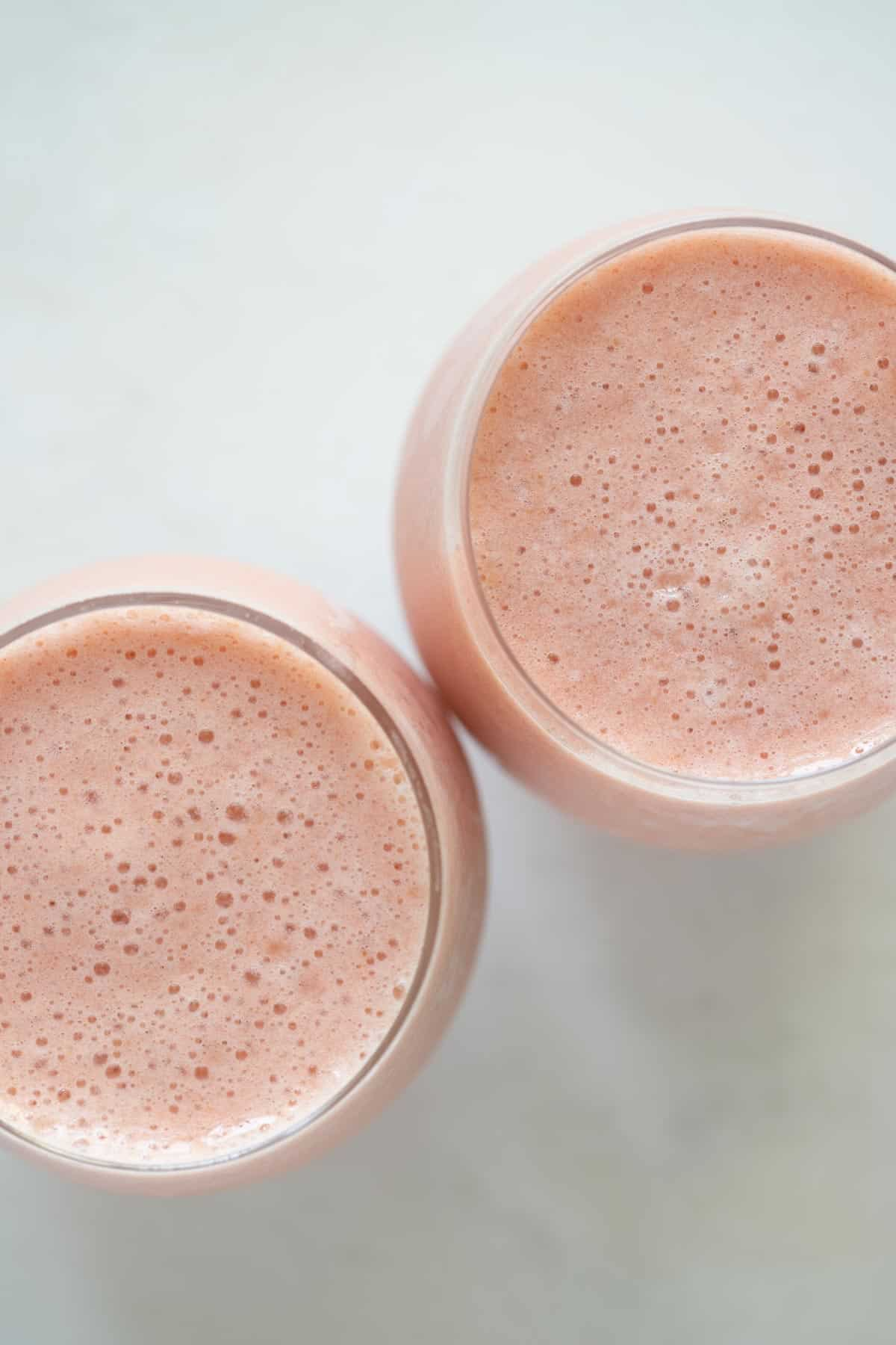 strawberry pineapple smoothie in 2 cups